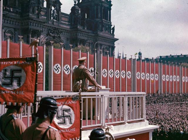 Речь Гитлера в Люстгартене, Берлин, 1938 год.