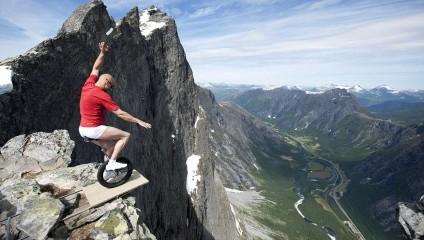 Спорт и отдых на грани безумия: как проводят досуг самые рисковые экстремалы