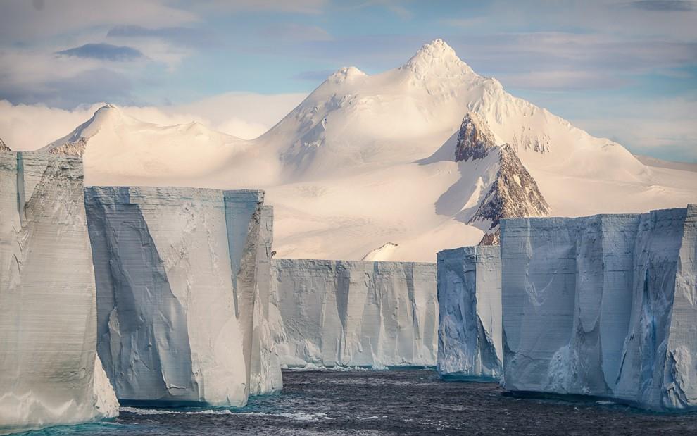 Antarctica-27-1-990x619