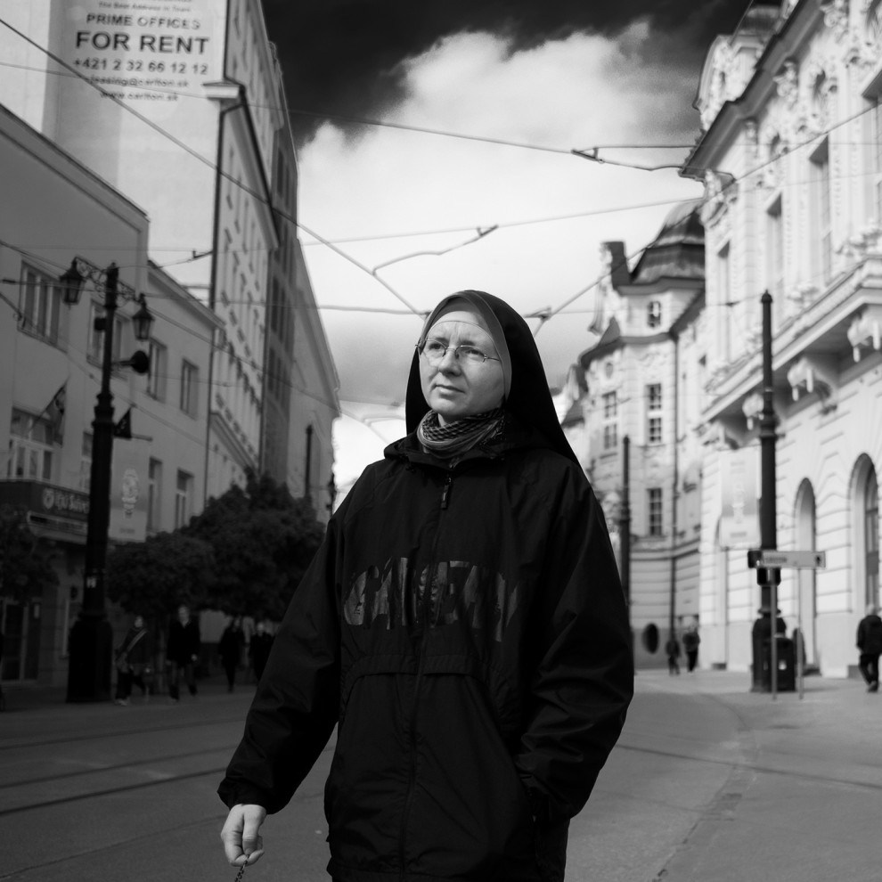 na-ulicah-veny-26-19-990x990