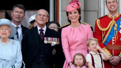 В Лондоне прошел традиционный парад в честь дня рождения королевы Великобритании