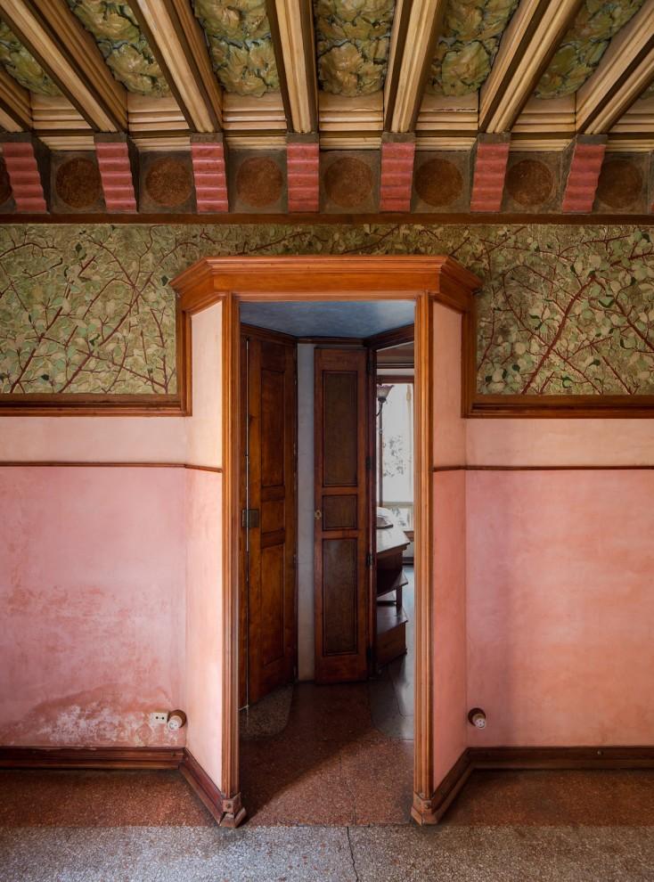Gaudi-15-16-734x990
