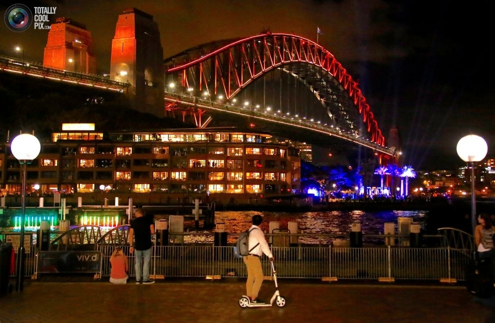 Sydney-Vivid-5-20