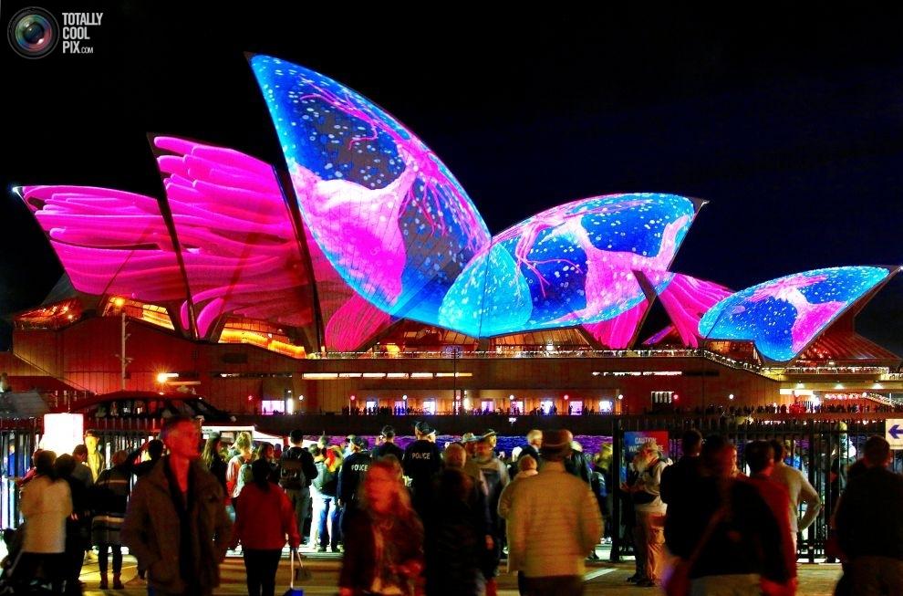 Sydney-Vivid-5-21