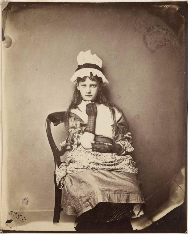 detskie-portrety-Lyuis-Kerroll_5