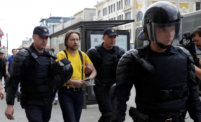 protesty-v-rossii-13-18