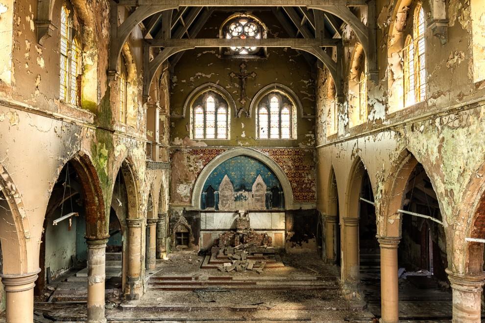 zabroshennye-cerkvi-14-1-990x660