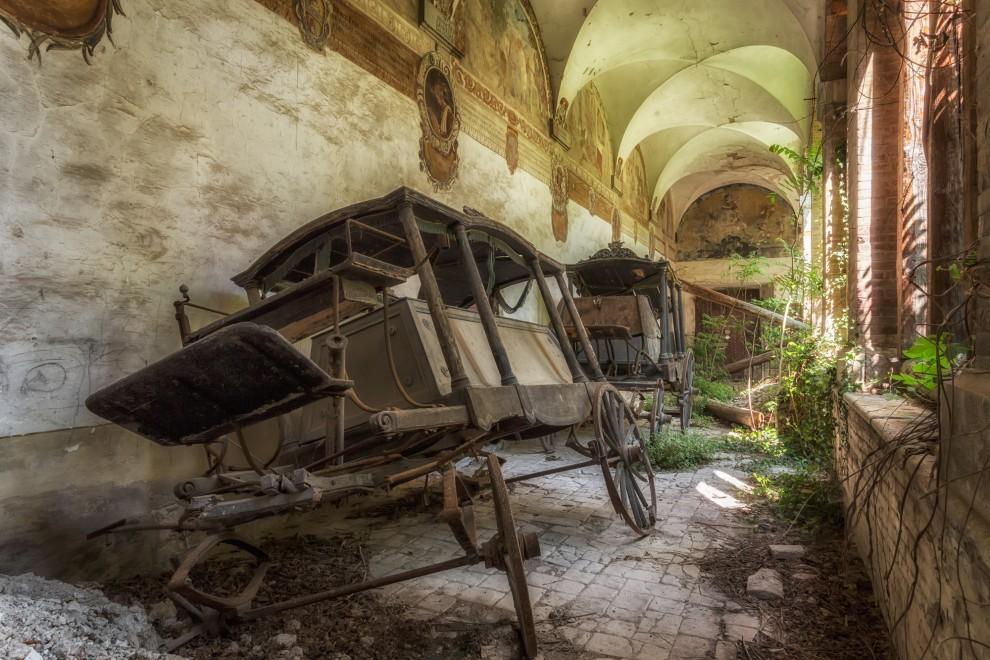 zabroshennye-cerkvi-14-12-990x660