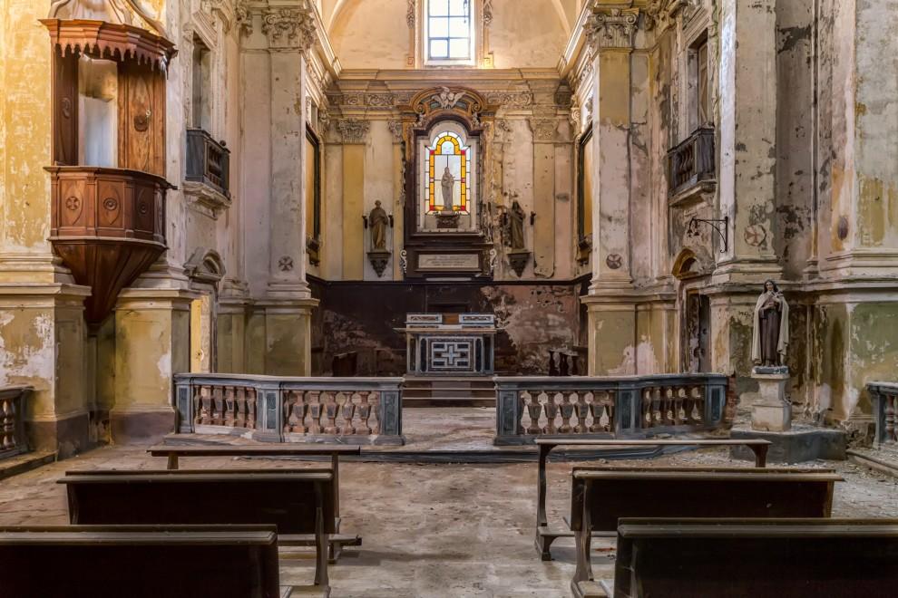 zabroshennye-cerkvi-14-9-990x660