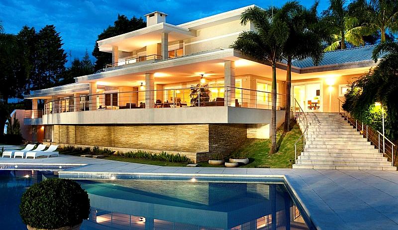 Самые дорогие и роскошные дома голливудских знаменитостей