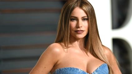6 голливудских красавиц с большой натуральной грудью