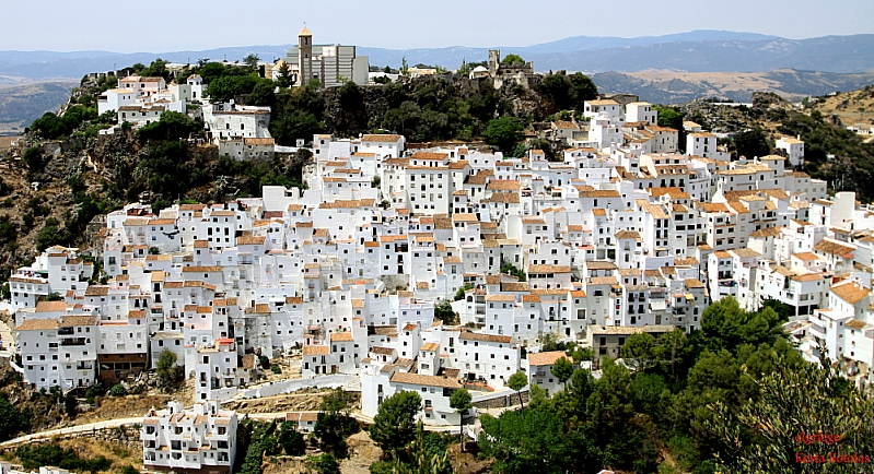 Идеальное общество: Как живут в испанском городке без преступности, полиции и безработицы