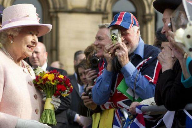10 вещей, которые запрещено делать при встрече с королевой Великобритании