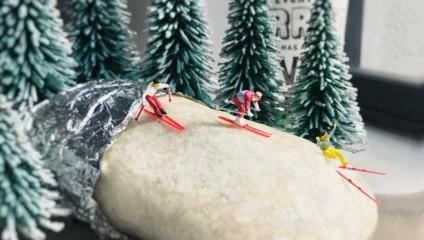 Фотограф Derrick Lin создает забавные миниатюрные сценки, используя канцелярские принадлежности