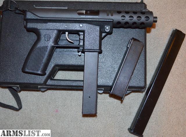 Intratec TEC-DC9 (также известен как TEC-9) — самозарядный пистолет, разработанный в Швеции в 1980-х годах.