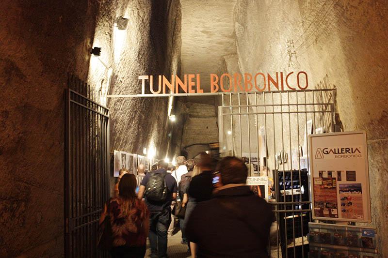Lingresso-del-Tunnel-Borbonico