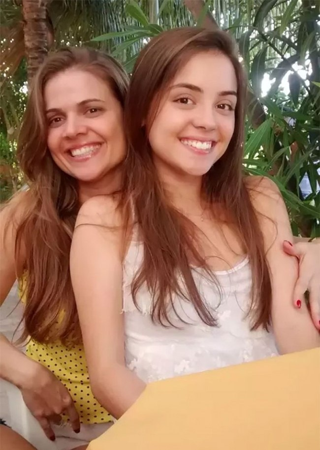 incredible-pictures-of-celebritu-mother-and-daughter-010