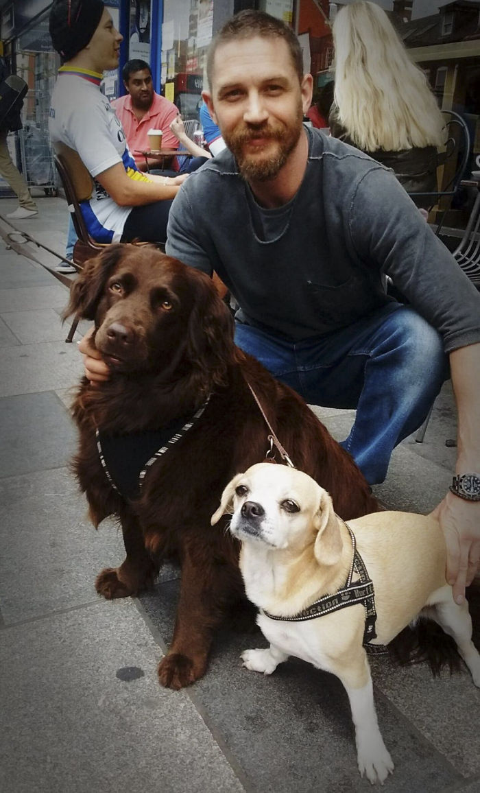 love-for-dogs-tom-hardy-3-59bf69722f754__700