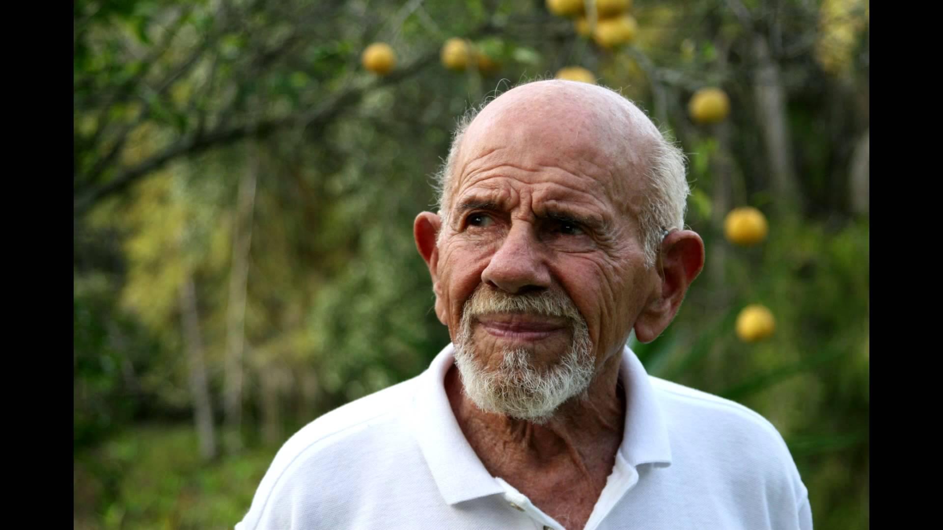 Фреско умер 18 мая 2017 года во время сна в своём доме в Себринге, Флорида от осложнений болезни Паркинсона в возрасте 101 года.