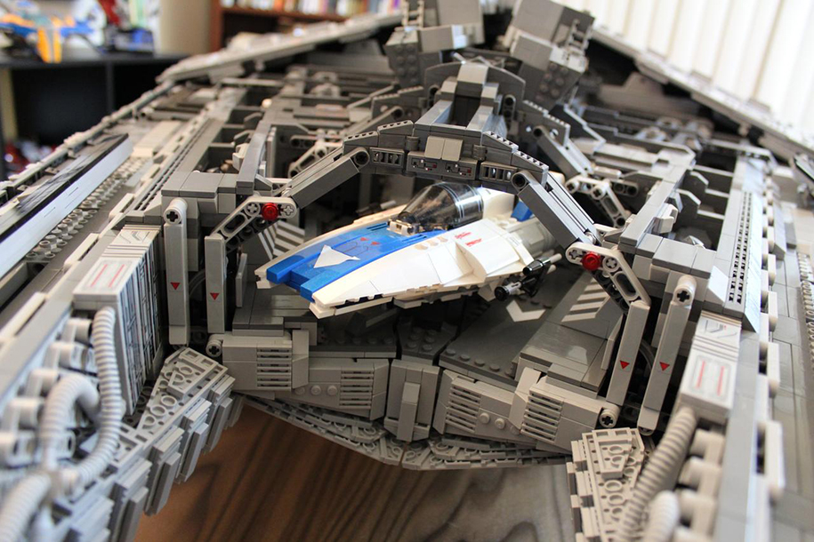 star-wars-lego-imperial-destroyer-ship-interior-doomhandle-26