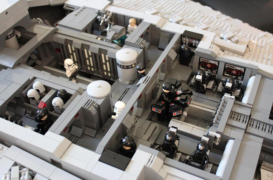 star-wars-lego-imperial-destroyer-ship-interior-doomhandle-28