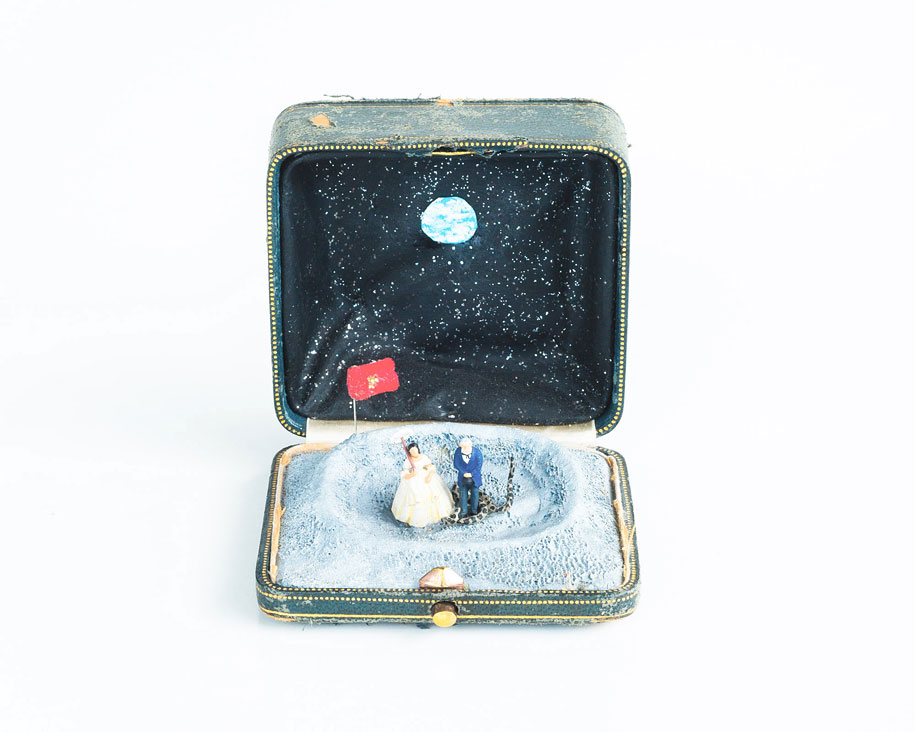 vintage-ring-box-miniature-diorama-talwst-12