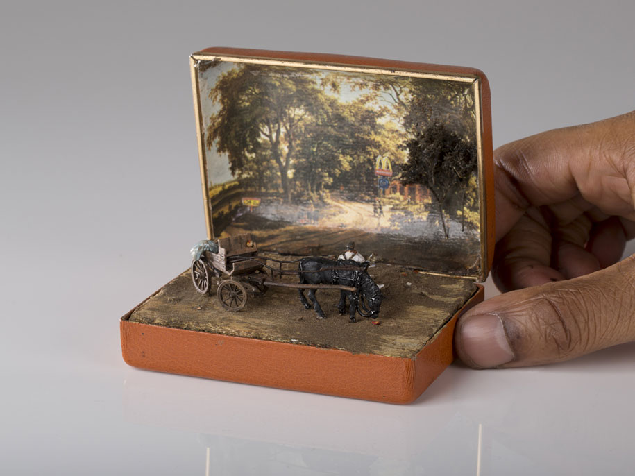 vintage-ring-box-miniature-diorama-talwst-3