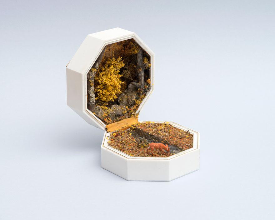 vintage-ring-box-miniature-diorama-talwst-v1