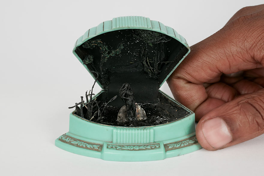vintage-ring-box-miniature-diorama-talwst-v15