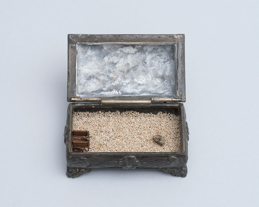 vintage-ring-box-miniature-diorama-talwst-v4