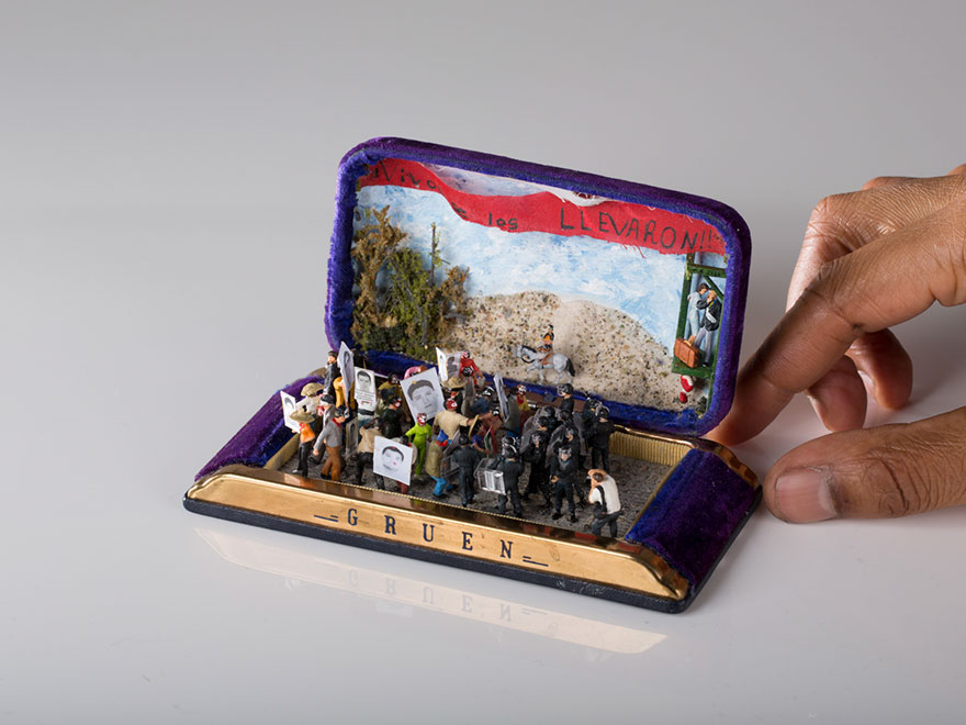 vintage-ring-box-miniature-diorama-talwst-v8