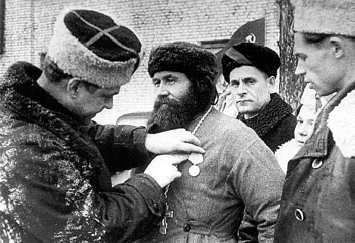Komandir-5-y-Leningradskoy-partizanskoy-