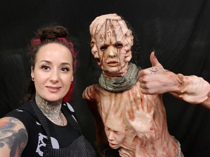 Любителям хорроров, страшных костюмов и ненастоящей крови эта фотосессия точно понравится