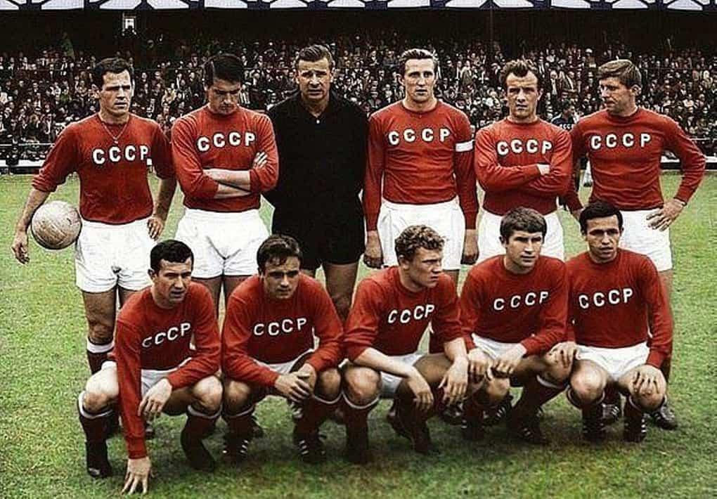 9-legendarnaya-sbornaya-sssr-obrazca-1966-go-goda-v-cvete