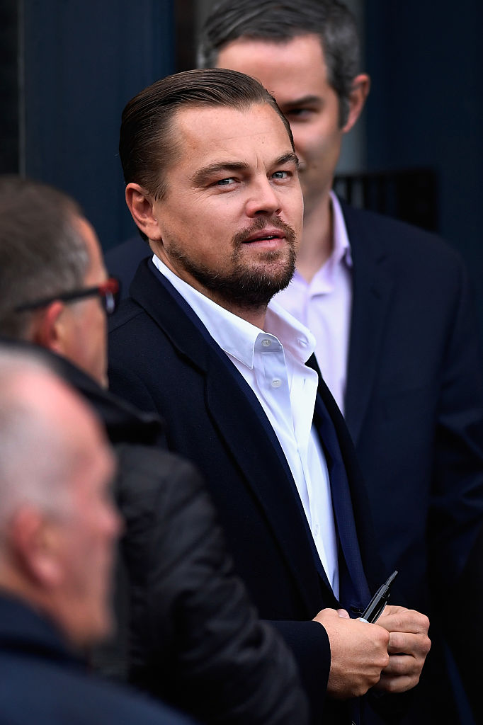 EDINBURGH, SCOTLAND - NOVEMBER 17:  Hollywood actor Leonardo DiCaprio arrives at Home restaurant during his first visit on November 17, 2016 in Edinburgh, Scotland. The Oscar winning actor is in Edinburgh to speak at the Scottish Business Awards at the Edinburgh International Conference Centre.  (Photo by Jeff J Mitchell/Getty Images)