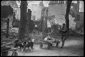 Вырезать и замазать: Фотоманипуляции Второй мировой