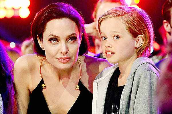 INGLEWOOD, CA - MARCH 28:  Actress Angelina Jolie (L) and Shiloh Nouvel Jolie-Pitt attend Nickelodeon's 28th Annual Kids' Choice Awards held at The Forum on March 28, 2015 in Inglewood, California.  (Photo by Frazer Harrison/KCA2015/Getty Images)