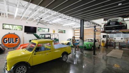 Эффектный дом коллекционера автомобилей в США