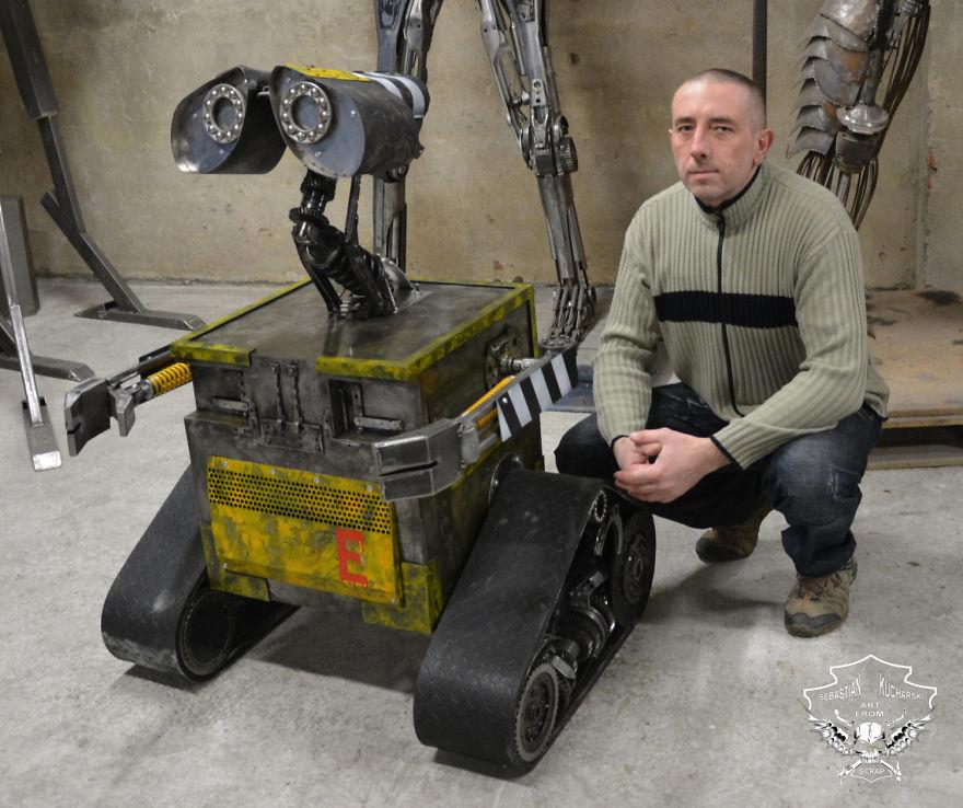 Польский художник Себастьян Кухарский создает удивительных роботов из металла
