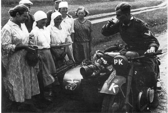 Редкие фотографии солдат вермахта: оккупация территории СССР войсками Третьего рейха