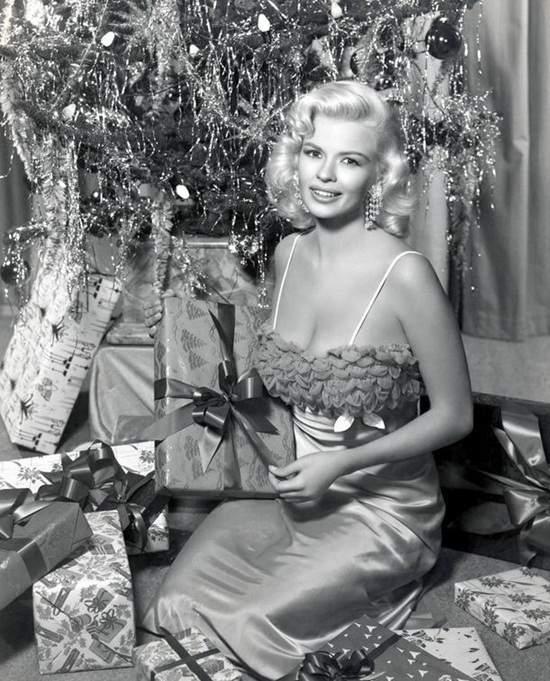 Рождественские портреты самых красивых женщин ХХ века, фото-2
