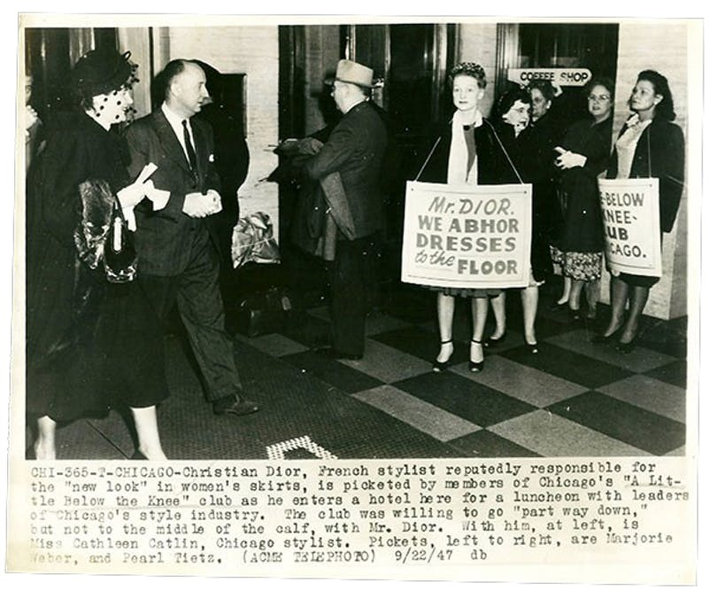 1516500662415656-christian_dior_a_little_below_the_knee_chicago_1947_01