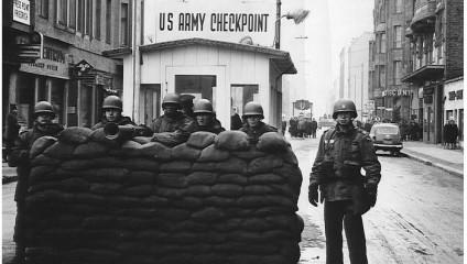 Как жители Берлина боролись с Берлинской стеной
