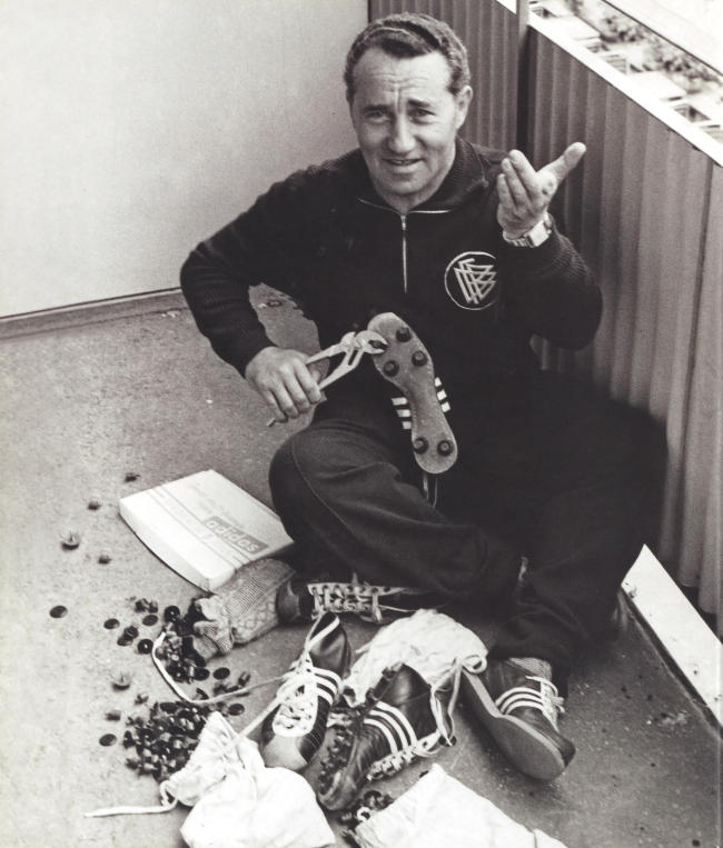 En Allemagne, après-guerre, Adidas contre Puma ou Adolf Dassler contre Rudolf Dassler. Une guerre entre deux frères qui dépasse vite le cadre familial pour se transformer en bataille entre deux marques. Photo : Rudolf Dassler