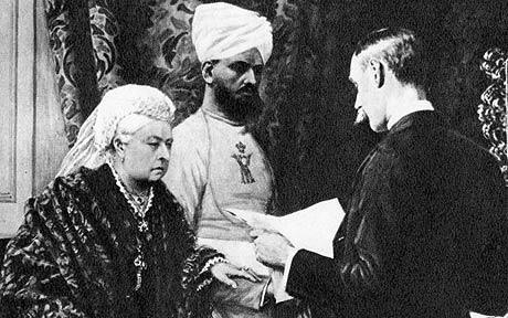 Queen-Victoria-and-The-Munshi