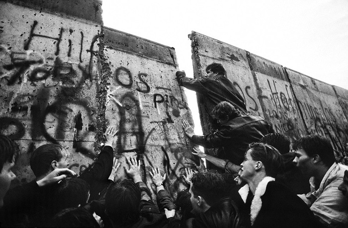 content_07_fall_berlin_wall