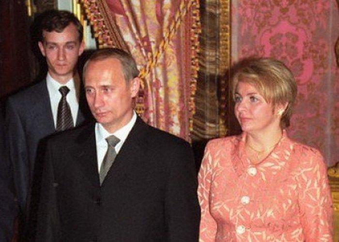 Что носили первые леди CССР и России: от Хрущёвой до Путиной