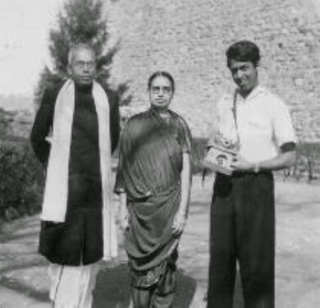 ramanujan-with-parents (1)