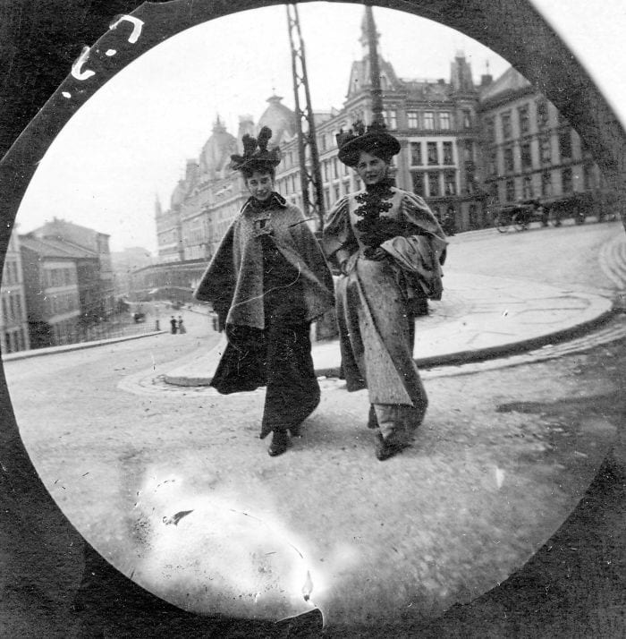 spy-camera-secret-street-photography-carl-stormer-norway-103-5a44a780e5168__700
