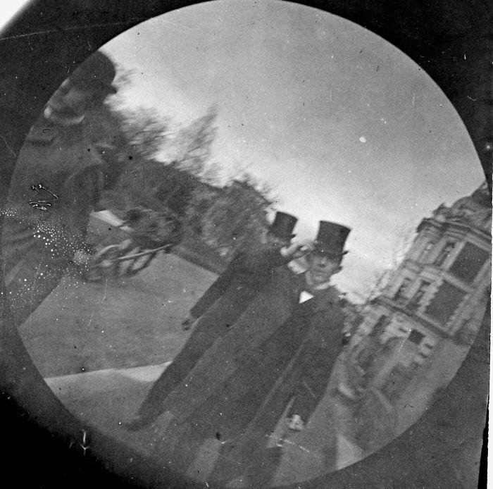 spy-camera-secret-street-photography-carl-stormer-norway-24-5a44a68a58665__700